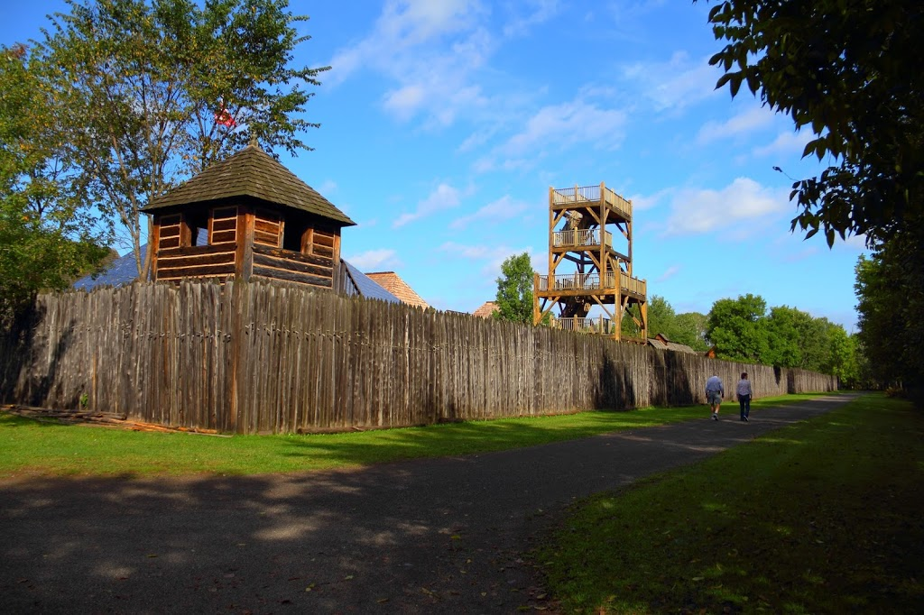 Fort William Historical Park | campground | 1350 King Rd, Thunder Bay, ON P7K 1L7, Canada | 8074732344 OR +1 807-473-2344