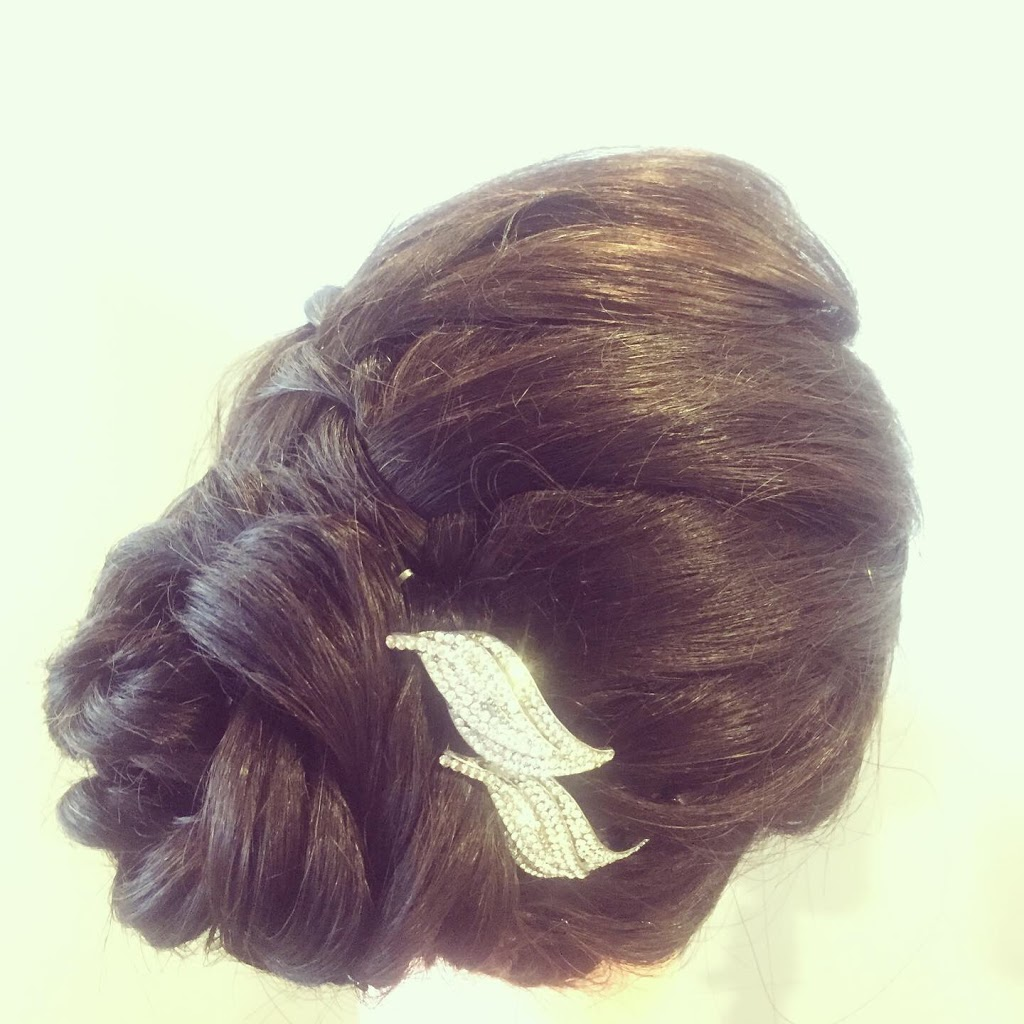 Miroir Hair Boutique | point of interest | 601 W 57th Ave, Vancouver, BC V6P 1R8, Canada | 6043038688 OR +1 604-303-8688