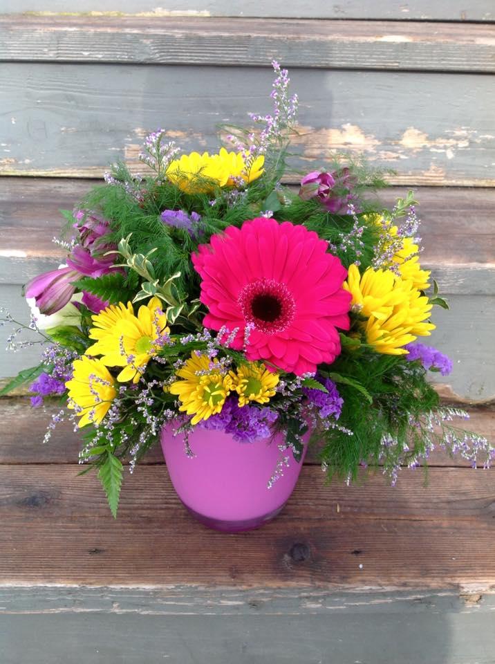 Jennys Floral Studio | florist | 1345 Colborne Rd Sarnia, Ontario N7V 3L3 Canada | 5193322221 OR +1 519-332-2221