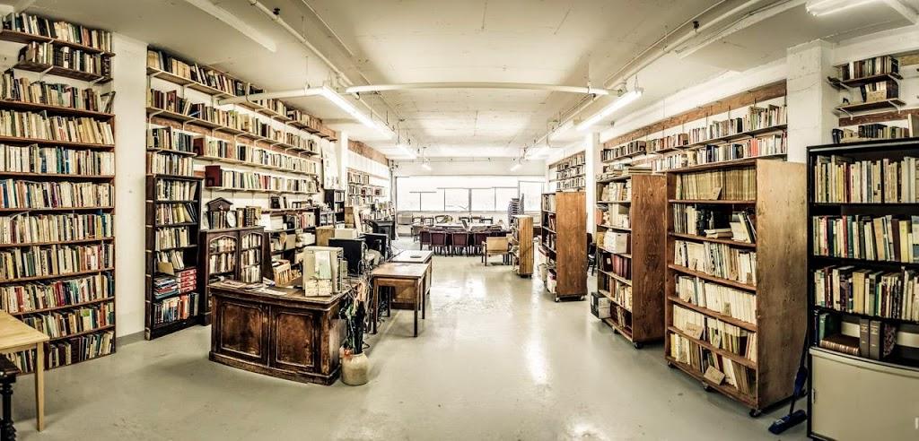Centre Internationaliste Ryerson Fondation Aubin | library | 1710 Rue Beaudry, Montréal, QC H2L 3E7, Canada | 5145631609 OR +1 514-563-1609
