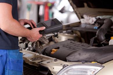 JLC Automotive Service | point of interest | 1331 St James Ave, Mississauga, ON L5E 1J3, Canada | 4162300382 OR +1 416-230-0382