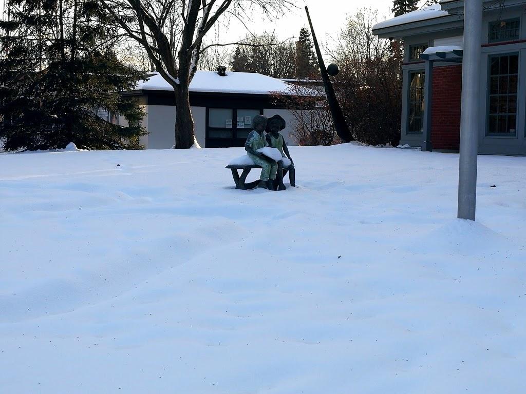 Rockcliffe Park Public School | school | 350 Buena Vista Rd, Rockcliffe Park, ON K1M 1C1, Canada | 6137495387 OR +1 613-749-5387