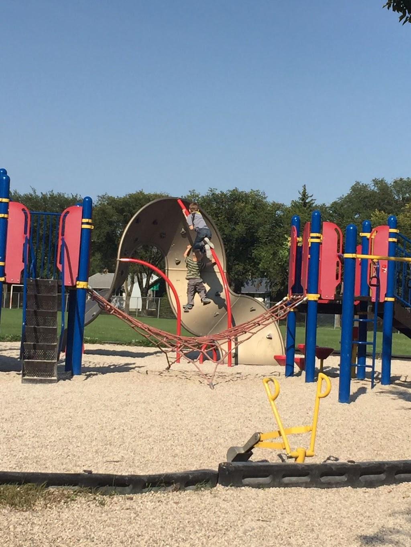 Montrose Elementary School | school | 691 Montrose St, Winnipeg, MB R3M 3M4, Canada | 2044888112 OR +1 204-488-8112