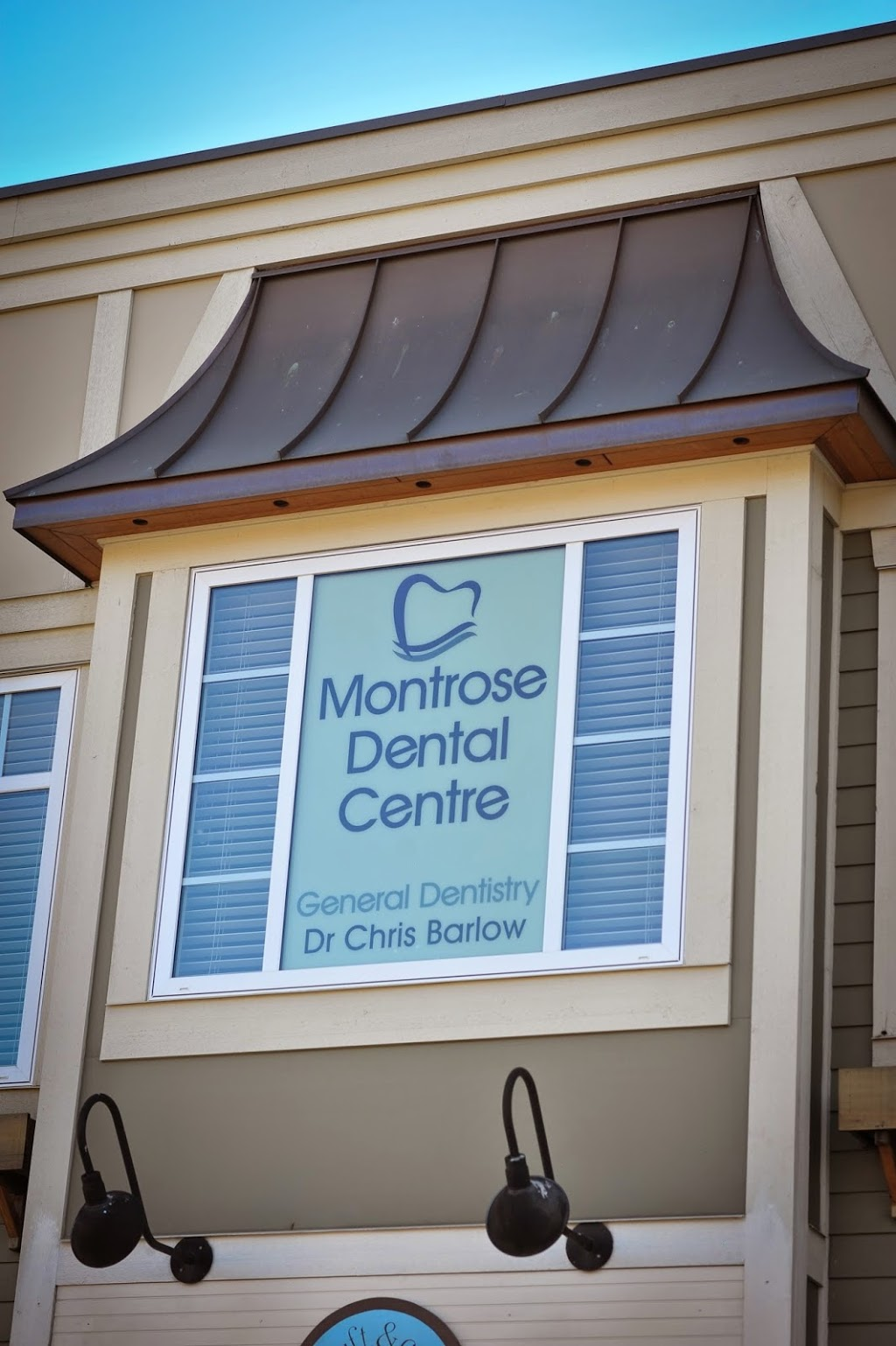 Barlow Chris Dr | dentist | Suite 203-2636 Montrose Ave, Abbotsford, BC V2S 3T6, Canada | 6048535677 OR +1 604-853-5677