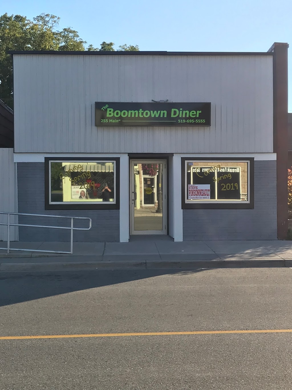 The Boomtown Diner   restaurant   255 Main St, Bothwell, ON N0P 1C0, Canada   5196955555 OR +1 519-695-5555