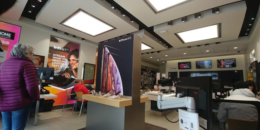 SaskTel Store | 4725 Gordon Rd, Regina, SK S4W 0B7, Canada