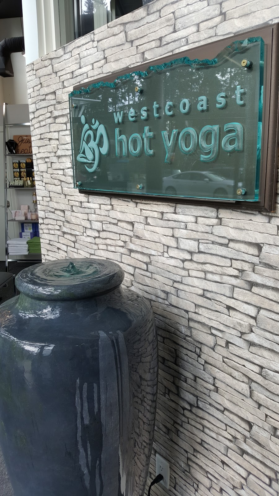Westcoast Hot Yoga | gym | 1461 Johnston Rd #101, White Rock, BC V4B 3Z4, Canada | 6045363973 OR +1 604-536-3973