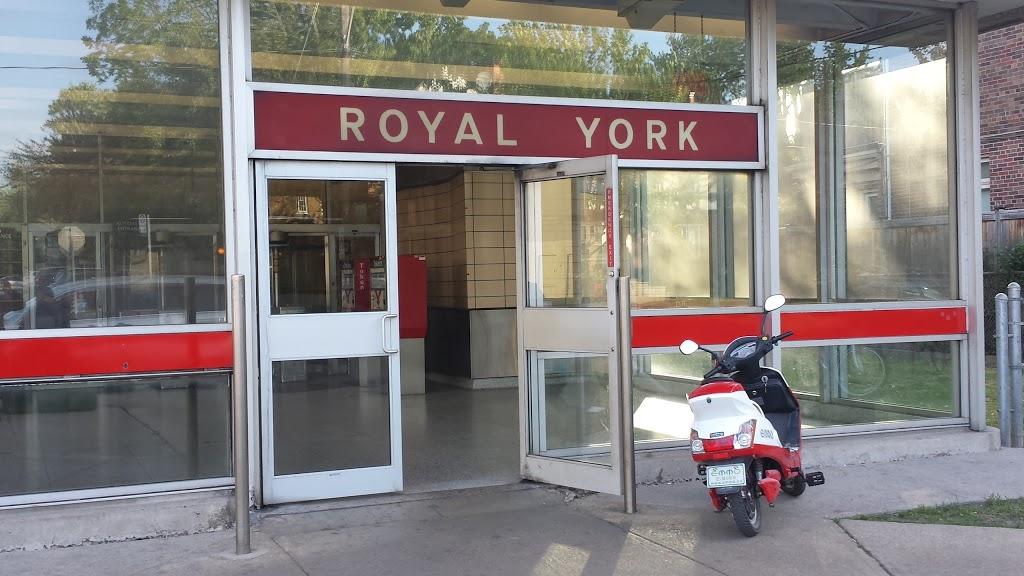 Royal York Station   subway station   2900 Bloor St W, Etobicoke, ON M8X 1B5, Canada