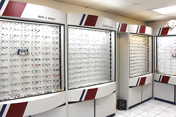 Lens Master | health | 598 Belmont Ave W, Kitchener, ON N2M 1N4, Canada | 5195700118 OR +1 519-570-0118