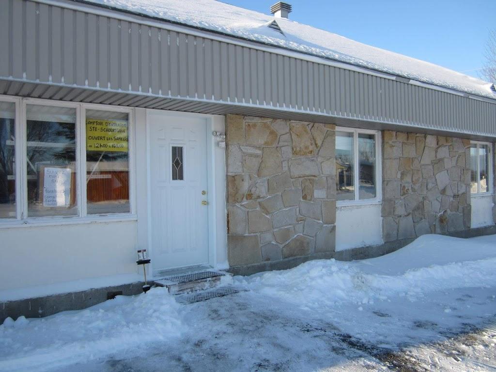 Comptoir dentraide de Sainte Scholastique | store | Mirabel, QC J7N 2Y1, Canada | 4502583686 OR +1 450-258-3686