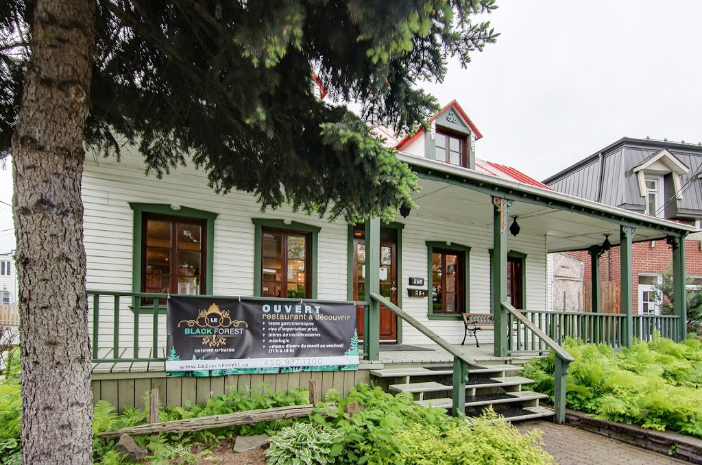 Le Black Forest Cuisine Urbaine | restaurant | 284 Boulevard Sainte-Rose, Laval, QC H7L 1M3, Canada | 4509371200 OR +1 450-937-1200