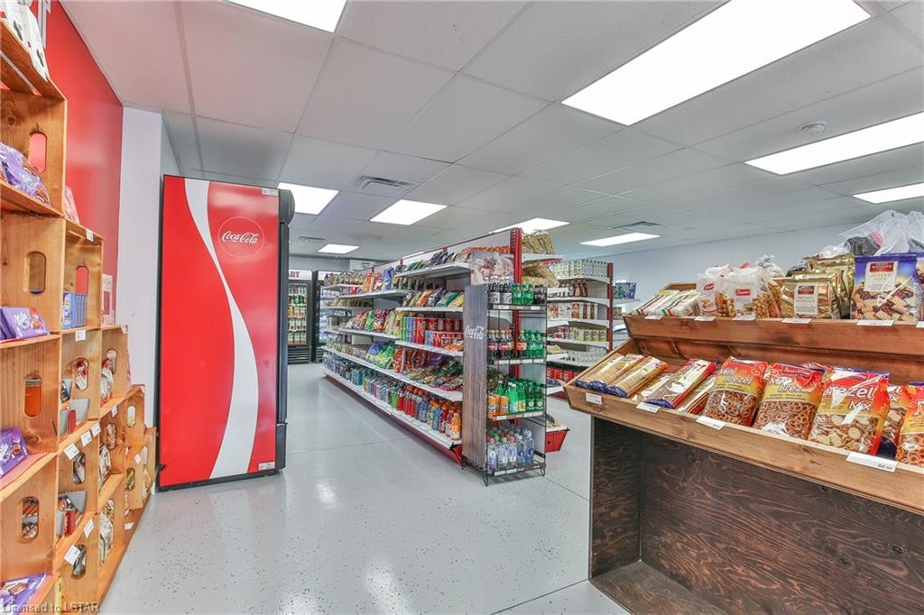 Candyville Mart | convenience store | 5843 Imperial Rd, Aylmer, ON N5H 2R2, Canada | 5197651191 OR +1 519-765-1191