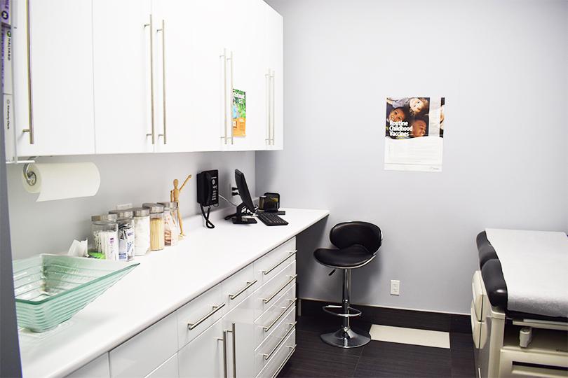 Heartland Health - Dental & Medical Clinic | dentist | 775 Britannia Rd W, Mississauga, ON L5V 2Y1, Canada | 9059192200 OR +1 905-919-2200