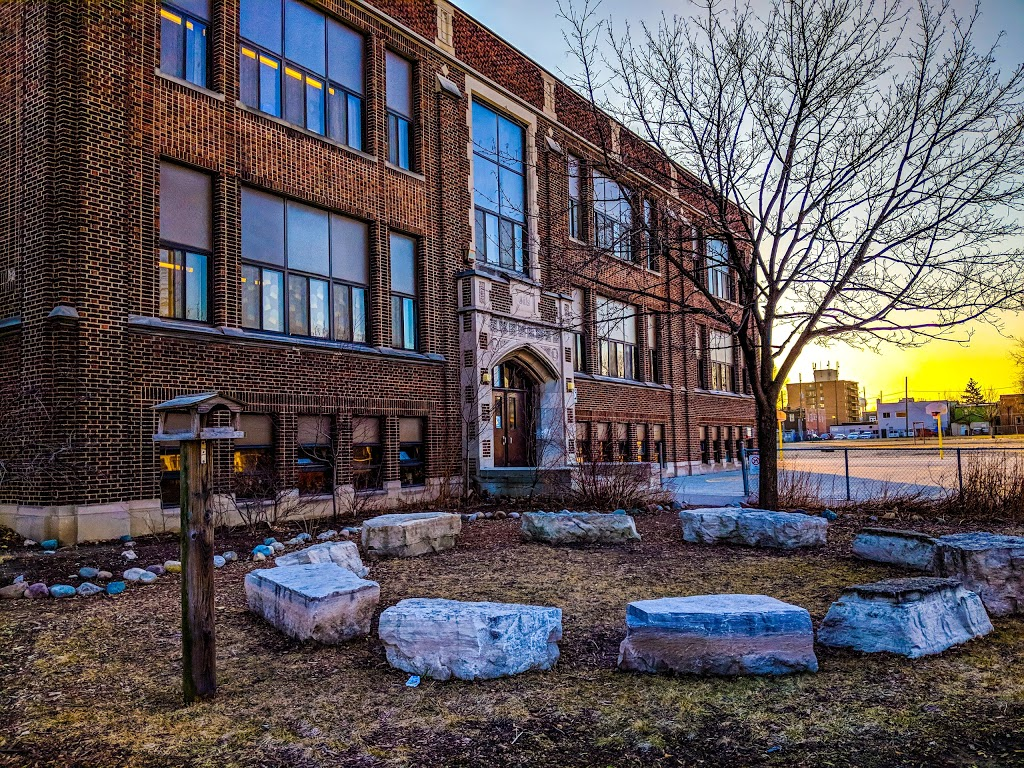 Prince Edward Public School | school | 949 Giles Blvd E, Windsor, ON N9A 4G2, Canada | 5192531119 OR +1 519-253-1119
