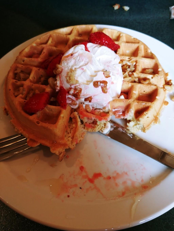 Chuckwagon Restaurant | restaurant | 32 Main St W, Kingsville, ON N9Y 1H3, Canada | 5197332395 OR +1 519-733-2395