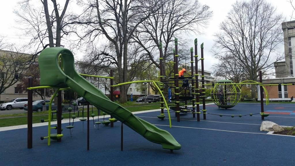 Quadra Downtown Playground | park | 911 Quadra St, Victoria, BC V8V 3G8, Canada