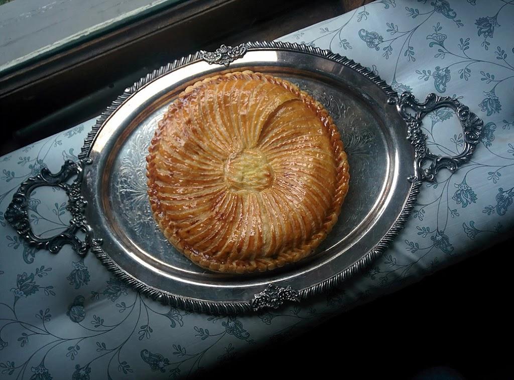 CROQUE MOI   bakery   1045 Joan Crescent, Victoria, BC V8S 3L3, Canada   2508587089 OR +1 250-858-7089