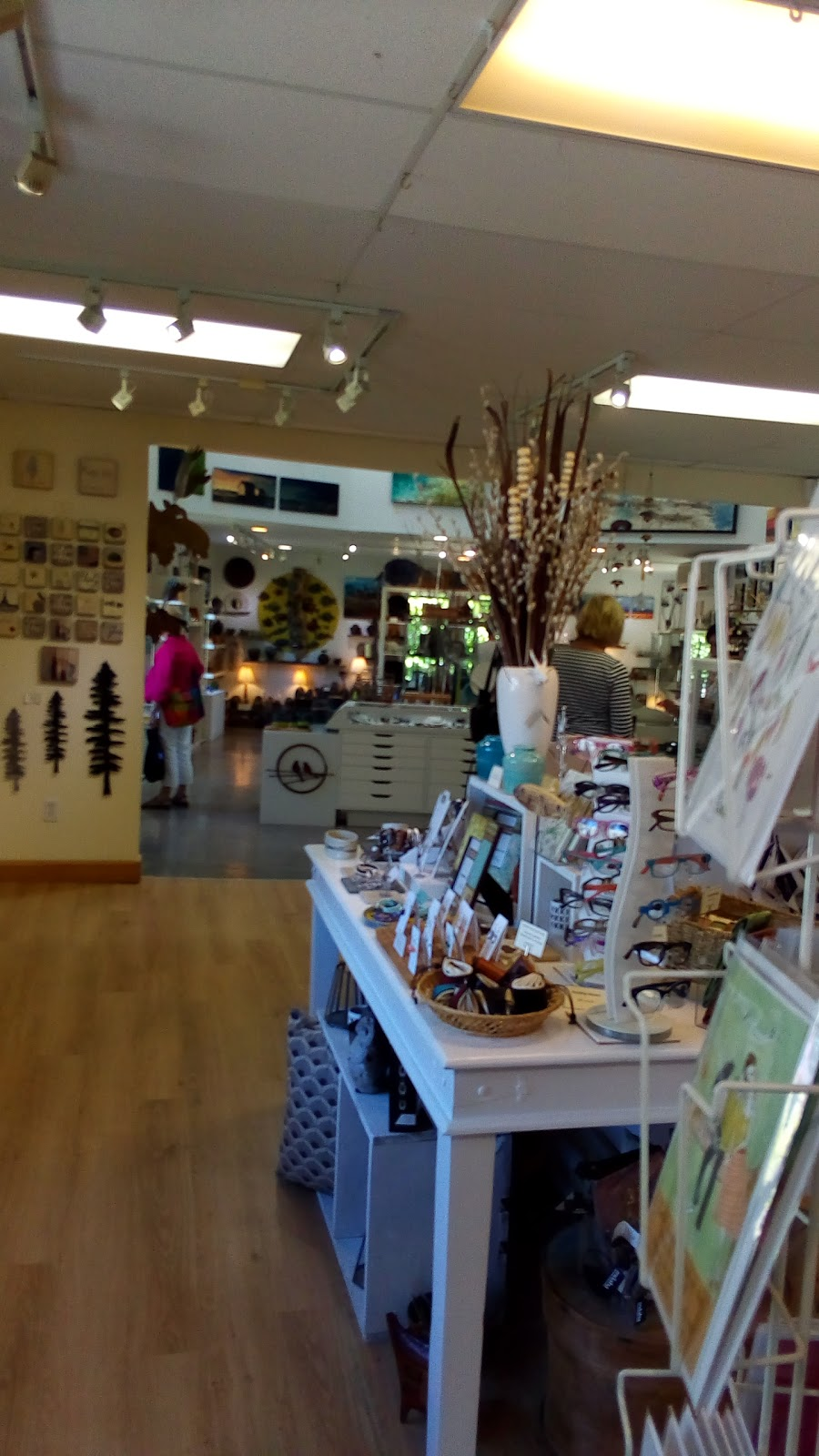 Northern Sun Gallery & Gifts | art gallery | 8 Edgewater St, Mahone Bay, NS B0J 2E0, Canada | 9025313000 OR +1 902-531-3000
