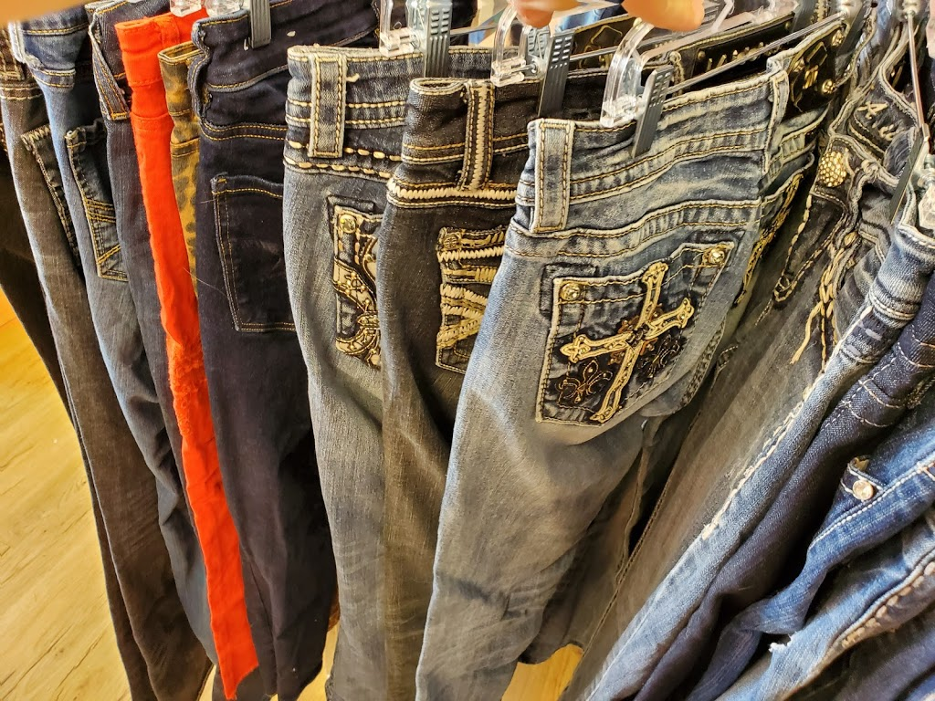 Back on the Rack upscale consignment | clothing store | 235 Milligan Dr, Okotoks, AB T1S 0B8, Canada | 5879680572 OR +1 587-968-0572