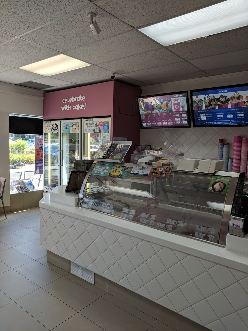 Baskin Robbins | cafe | 370 Highland Rd W, Kitchener, ON N2M 5J9, Canada | 5197425270 OR +1 519-742-5270
