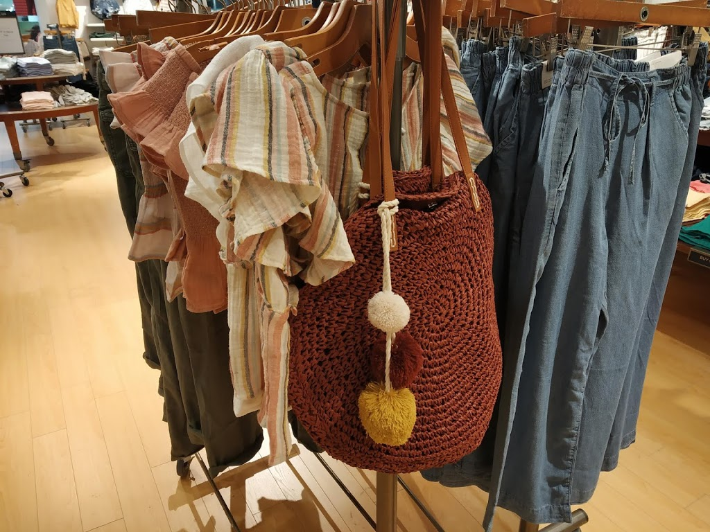 American Eagle Store | clothing store | 2960 Kingsway Dr, Kitchener, ON N2C 1X1, Canada | 5197489688 OR +1 519-748-9688