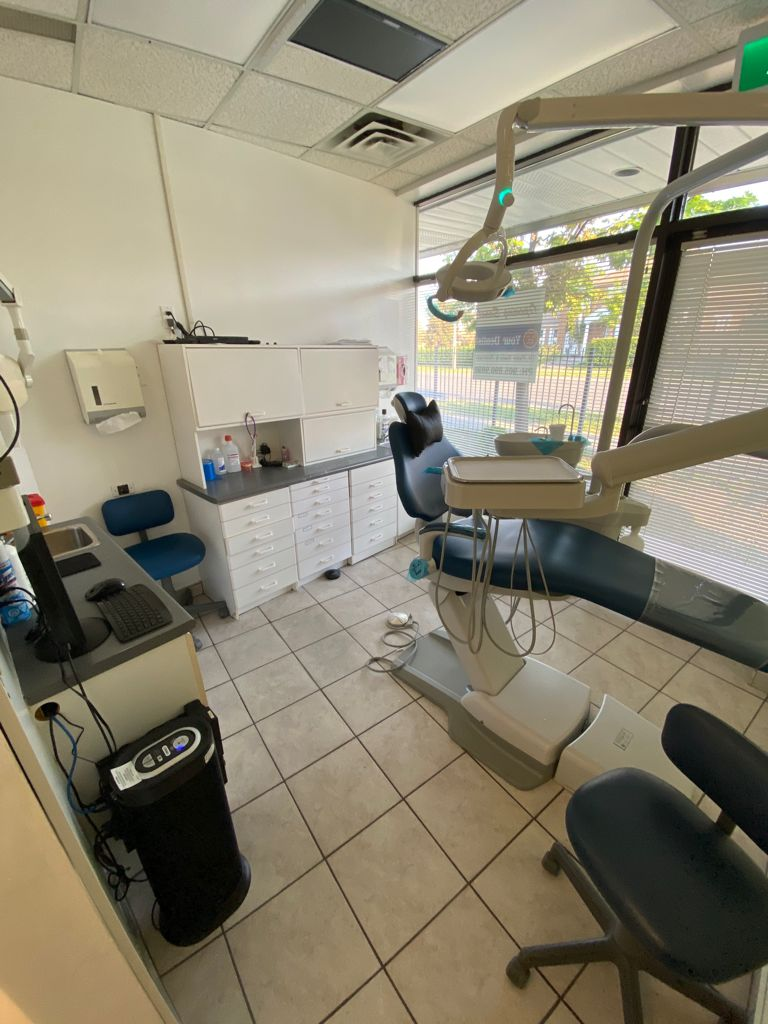 Your Dentist - Dr Punit Biala & Associates | dentist | 223 Ceremonial Dr, Mississauga, ON L5R 2N3, Canada | 9058909898 OR +1 905-890-9898