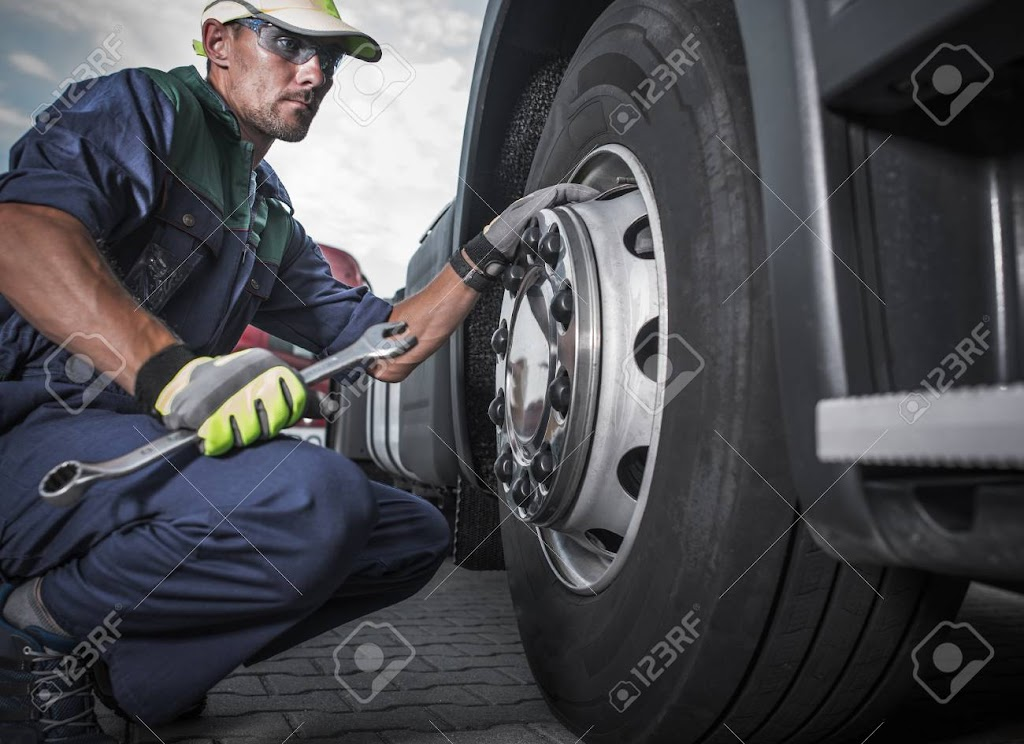 mobile truck and trailer repairs | point of interest | 6295 Netherhart Rd, Mississauga, ON L6S 0A4, Canada | 6475250085 OR +1 647-525-0085
