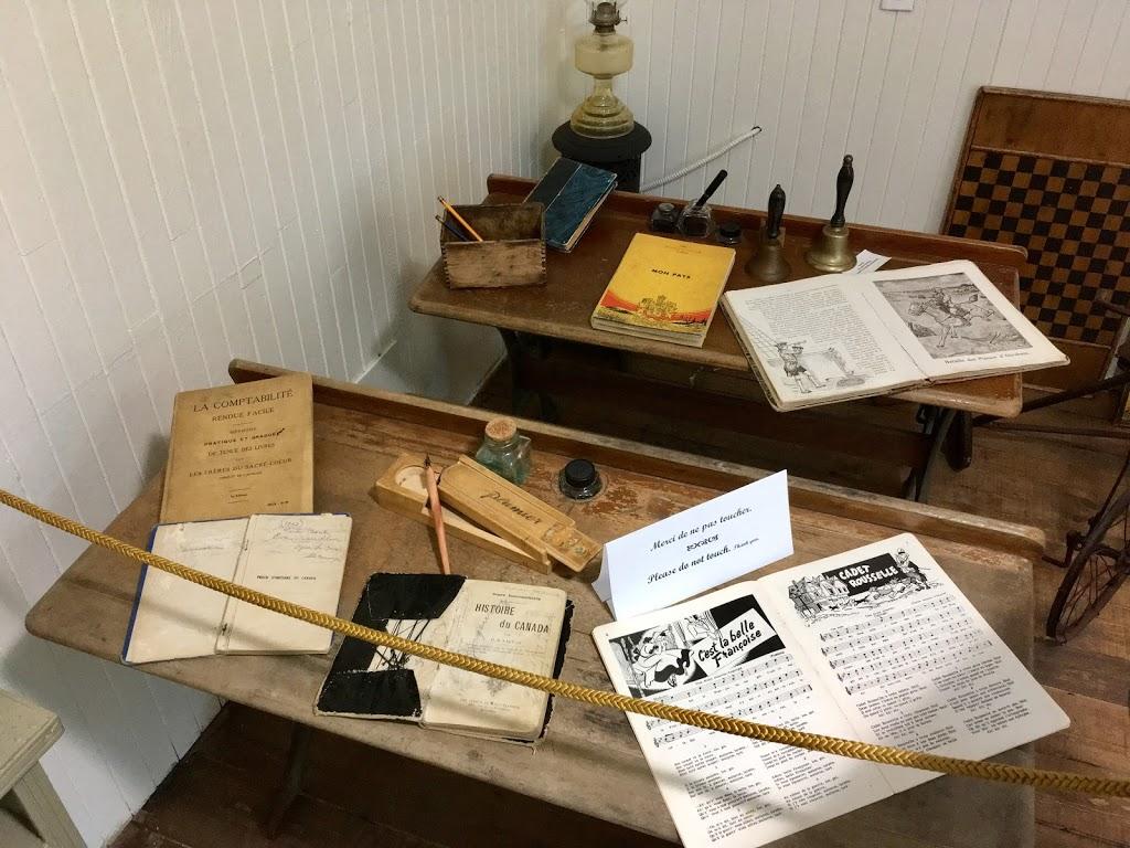 Maison de la Culture de La Macaza | museum | 67 Rue des Pionniers, La Macaza, QC J0T 1R0, Canada | 8192785364 OR +1 819-278-5364