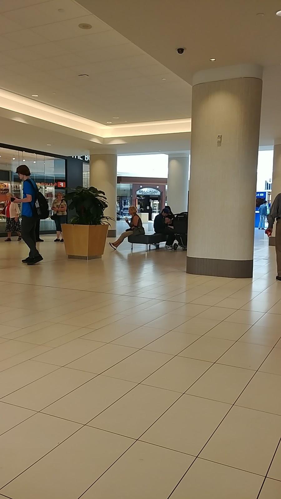 SmartCentres Oshawa South | shopping mall | 680 Laval Dr, Oshawa, ON L1J 0B5, Canada | 9057606200 OR +1 905-760-6200