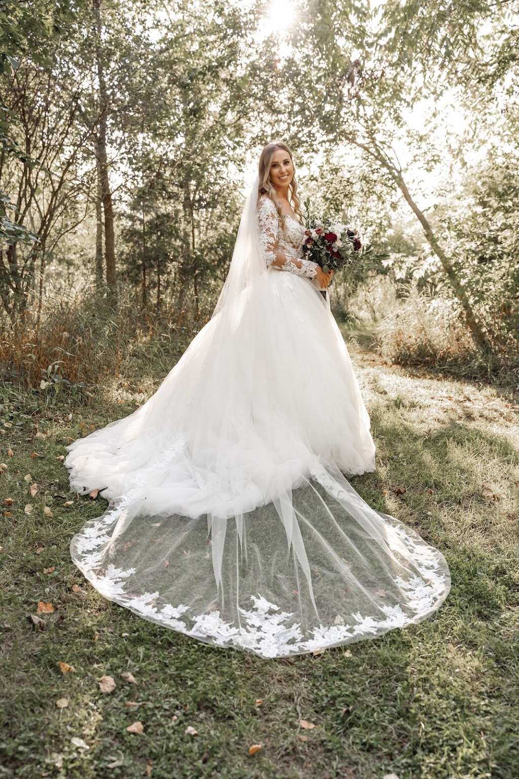Tom Guest Weddings   point of interest   180 Elizabeth St, Guelph, ON N1E 2X3, Canada   7053216282 OR +1 705-321-6282