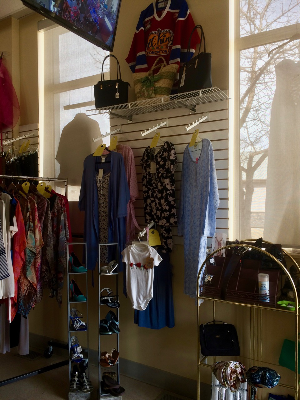 HJCs | clothing store | 5112 50 Ave, Lamont, AB T0B 2R0, Canada | 7805792113 OR +1 780-579-2113