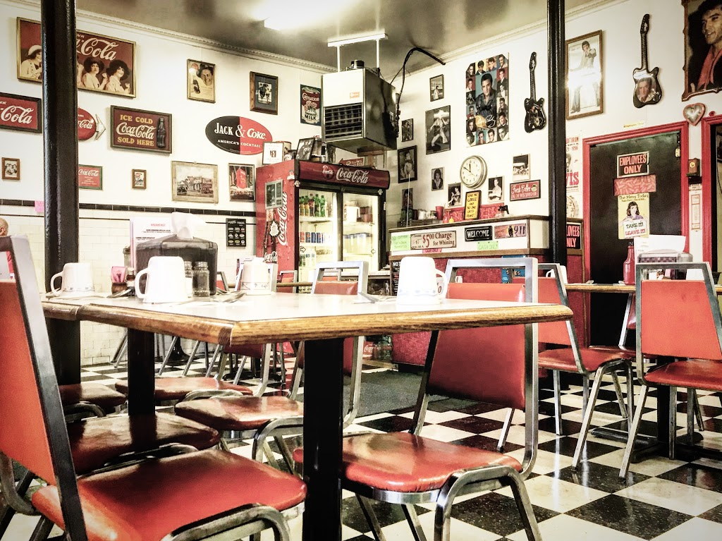 Bubs Diner | restaurant | 14 Queen St, Harrow, ON N0R 1G0, Canada | 5197384148 OR +1 519-738-4148