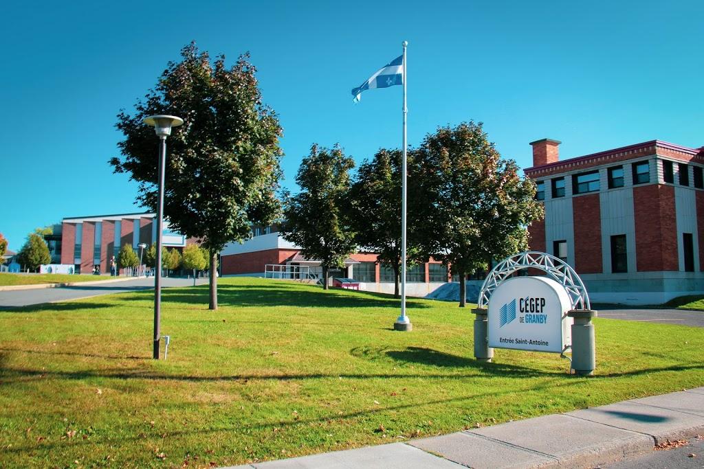 Cégep de Granby | school | 235 Rue Saint-Jacques, Granby, QC J2G 3N1, Canada | 4503726614 OR +1 450-372-6614