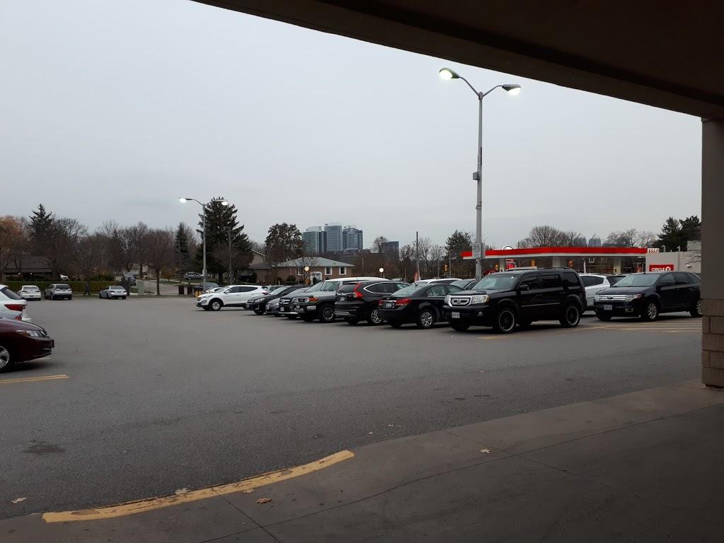 Nymark Plaza   shopping mall   Leslie St, North York, ON M2J 2K8, Canada