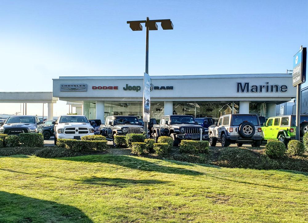 Marine Chrysler Dodge Jeep Ram | car dealer | 450 SE Marine Dr, Vancouver, BC V5X 4V2, Canada | 6043211236 OR +1 604-321-1236
