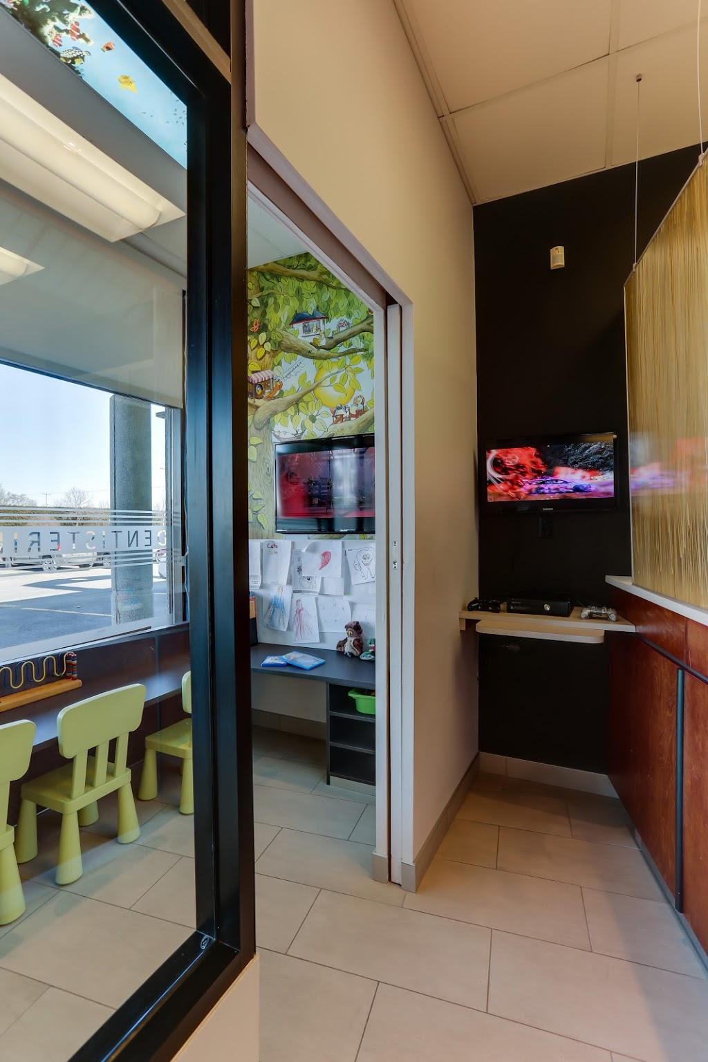 Centre Dentaire Thimens | dentist | 1924 Boulevard Thimens, Saint-Laurent, QC H4R 2K2, Canada | 5143337222 OR +1 514-333-7222