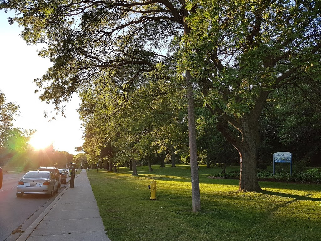 Humber Valley Park | park | 54 Anglesey Blvd, Etobicoke, ON M9A 3E1, Canada