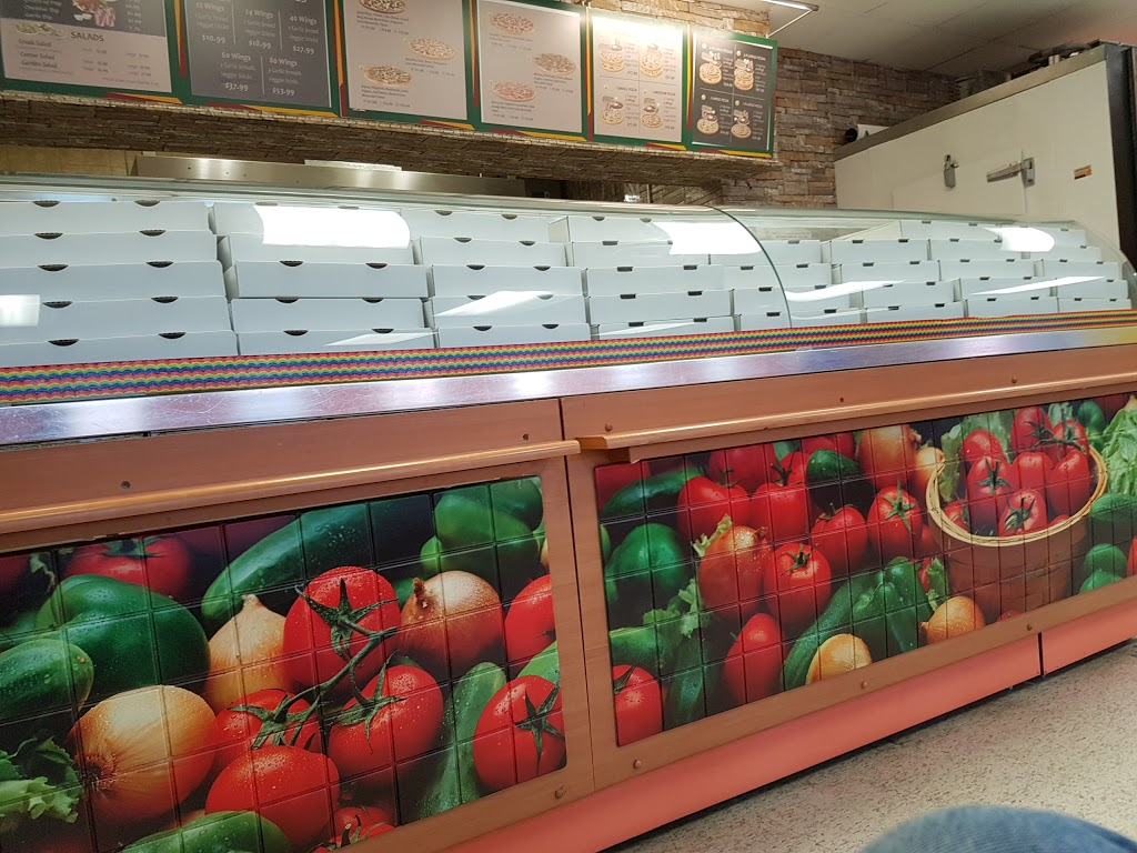 Andres Pizza & Wings   restaurant   402 Concession St, Hamilton, ON L9A 1B7, Canada   9053879292 OR +1 905-387-9292