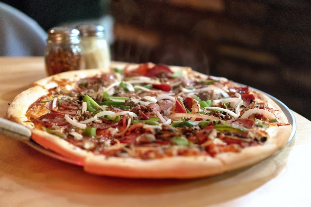 Tonys Pizza Palace | restaurant | 9605 111 Ave NW, Edmonton, AB T5G 0A7, Canada | 7804248777 OR +1 780-424-8777