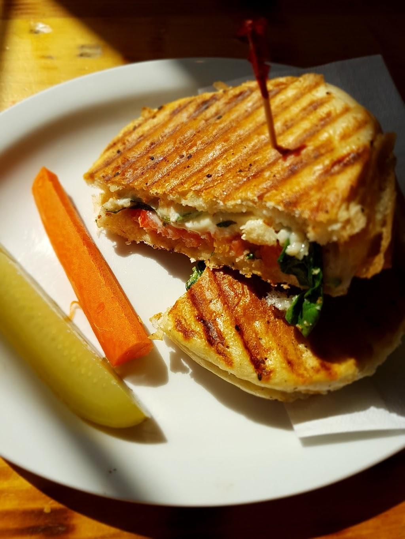 Coburg Social Bar & Café | cafe | 6085 Coburg Rd, Halifax, NS B3H 1Z3, Canada | 9024292326 OR +1 902-429-2326