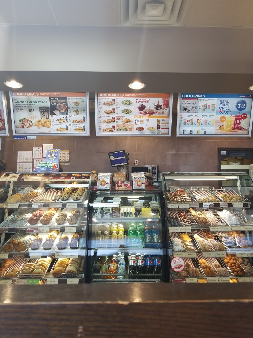 Tim Hortons | cafe | 42 Main St, Springhill, NS B0M 1X0, Canada | 9025972033 OR +1 902-597-2033