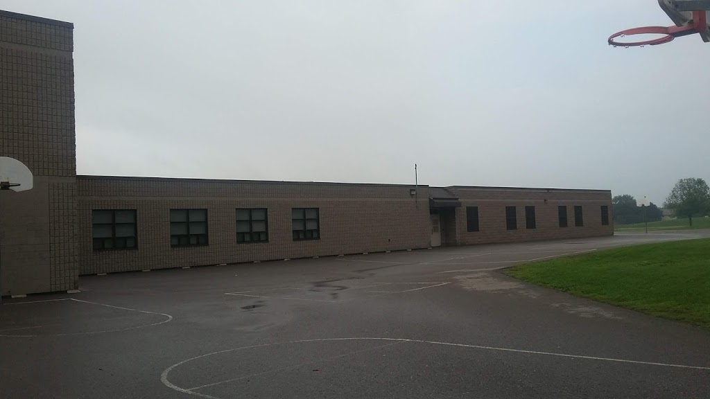 Harmony Heights Public School | school | 590 Galahad Dr, Oshawa, ON L1K 1M2, Canada | 9054338933 OR +1 905-433-8933