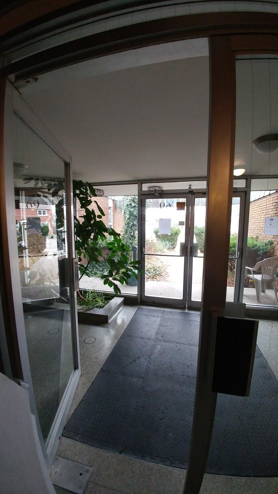 Binkley Student Residence   lodging   69 Sanders Blvd, Hamilton, ON L8S 3J8, Canada   9055282395 OR +1 905-528-2395