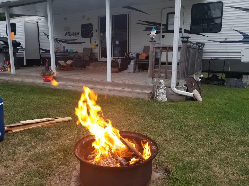 Sunny Acres Trailer Park   lodging   5071 ON-35, Fenelon Falls, ON K0M 1N0, Canada   7058873416 OR +1 705-887-3416