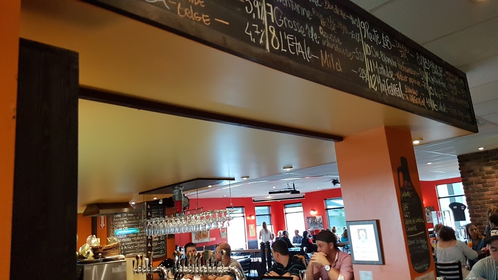 Microbrewery Des Beaux Prés | restaurant | 9430 Boulevard Sainte-Anne, Sainte-Anne-de-Beaupré, QC G0A 3C0, Canada | 4187021128 OR +1 418-702-1128