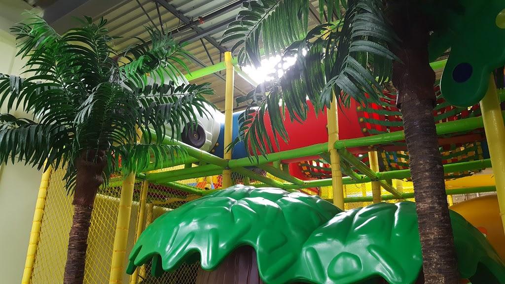 Jungle Hut Entertainment | restaurant | 2289 Barton St E #8, Hamilton, ON L8E 2W8, Canada | 9055735000 OR +1 905-573-5000