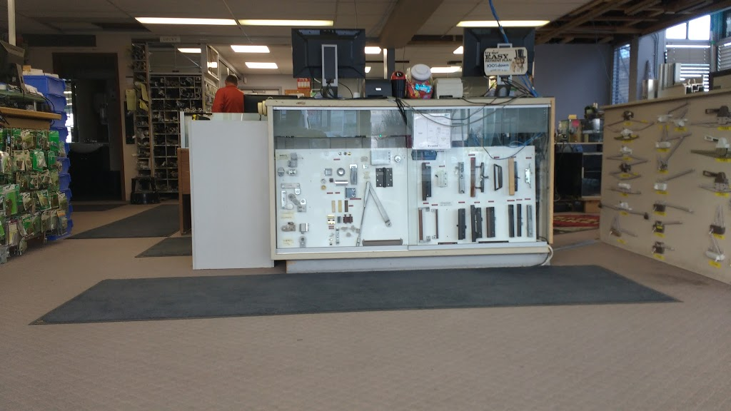 Chinook Glass & Screen Ltd | store | 321 16 Ave NW, Calgary, AB T2M 0H9, Canada | 4032772456 OR +1 403-277-2456