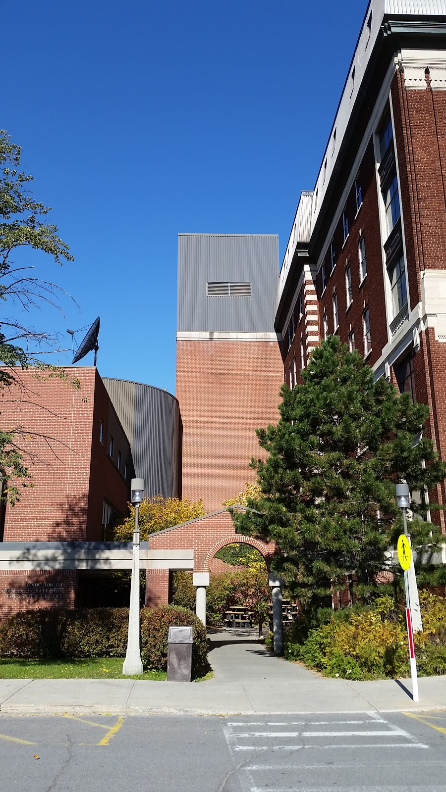 Ottawa Civic Hospital | health | Civic Hospital - Experimental Farm - Central Park, Ottawa, ON K1Y, Canada | 6137985555 OR +1 613-798-5555