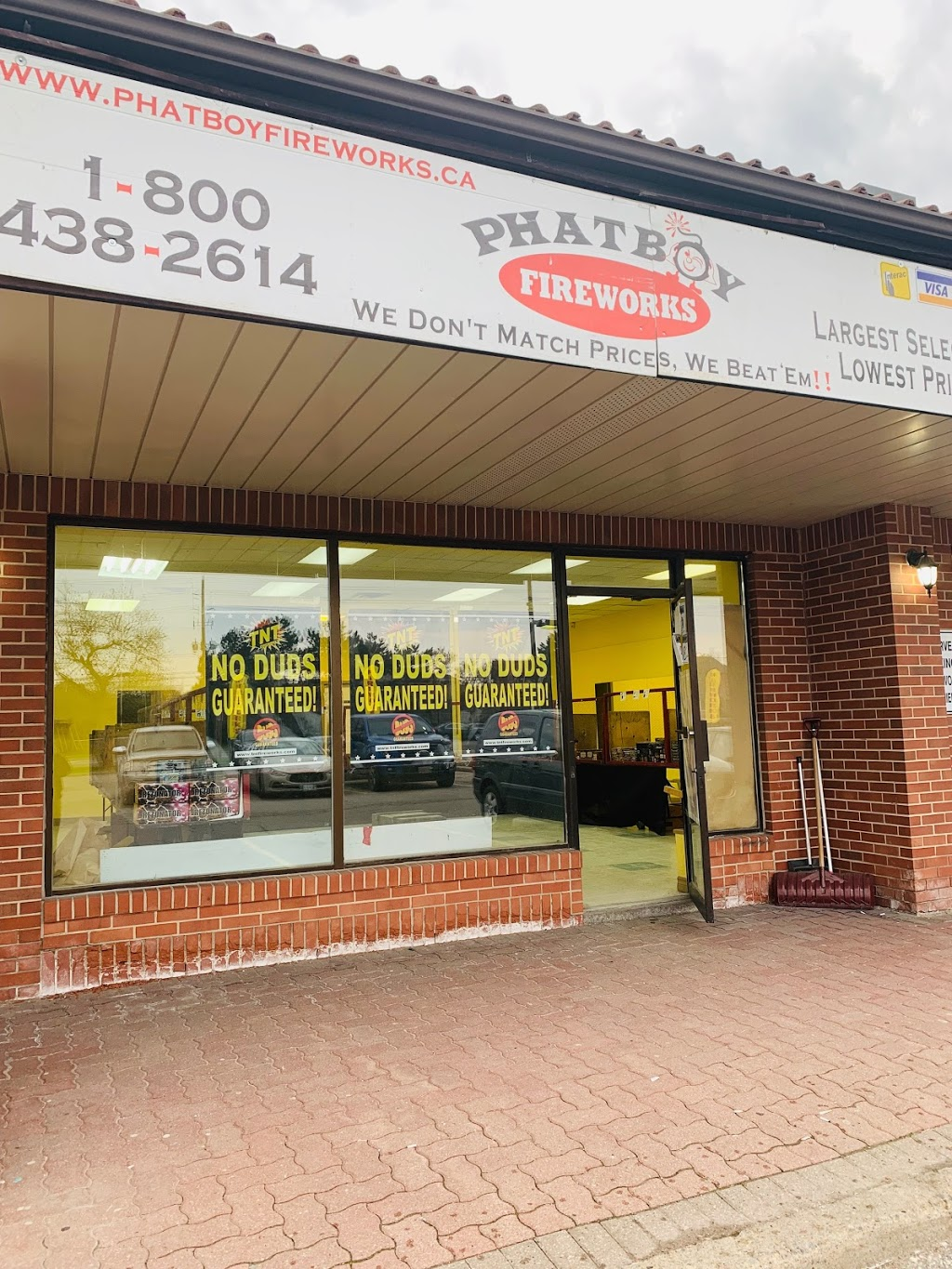 Phatboy Fireworks | store | 9300 Keele St, Maple, ON L6A 1P4, Canada | 8004382614 OR +1 800-438-2614