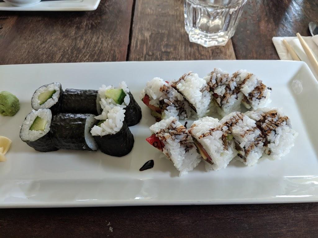 The Beach Restaurant | restaurant | 6676 Sooke Rd, Sooke, BC V9Z 0A5, Canada | 7784253763 OR +1 778-425-3763